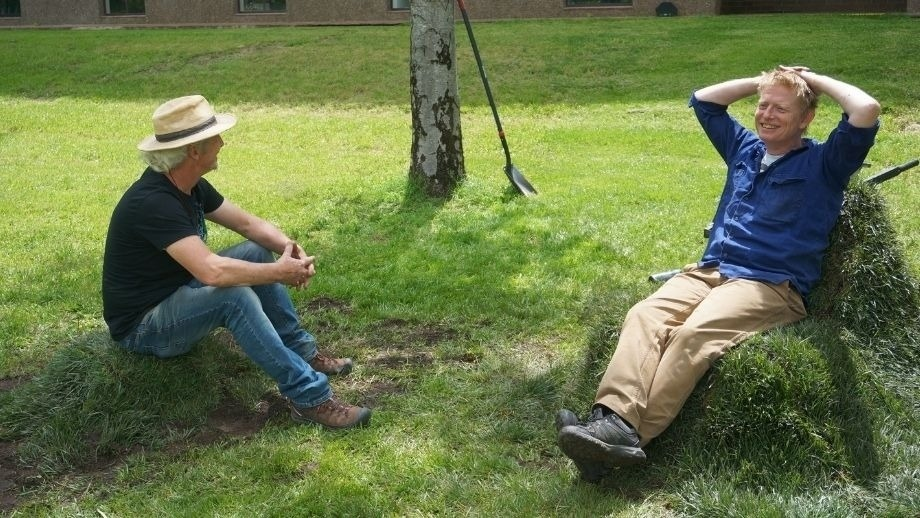 "Furniture students create on campus ""lawn chair"""